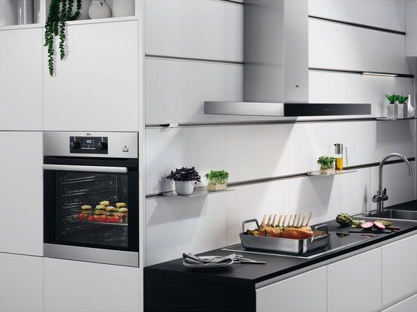 AEG BPS352020M Pyrolytic Single Oven