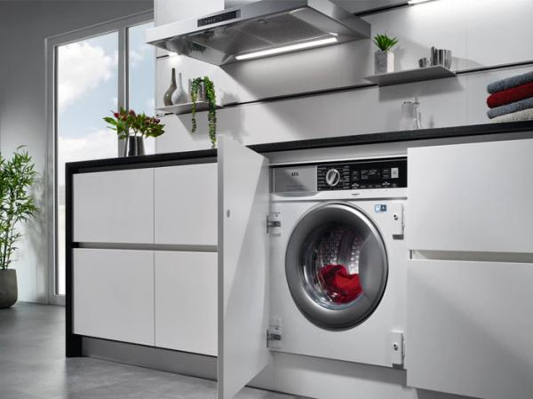 AEG L7WC8632BI Integrated Washer Dryer