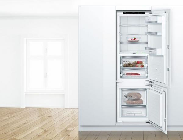 Bosch KIF87PF30 Integrated 70/30 LowFrost Fridge Freezer