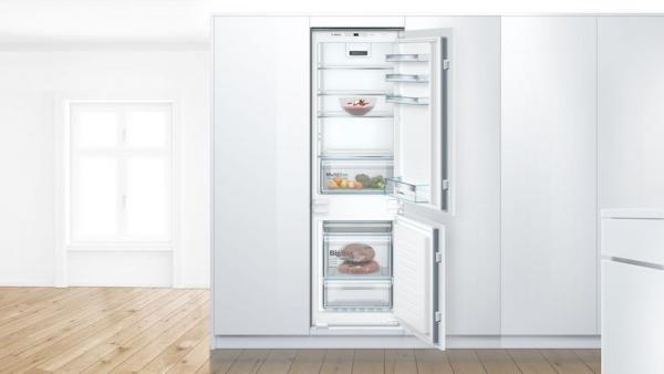 Bosch KIN86VSF0G Integrated 70/30 Frost Free Fridge Freezer