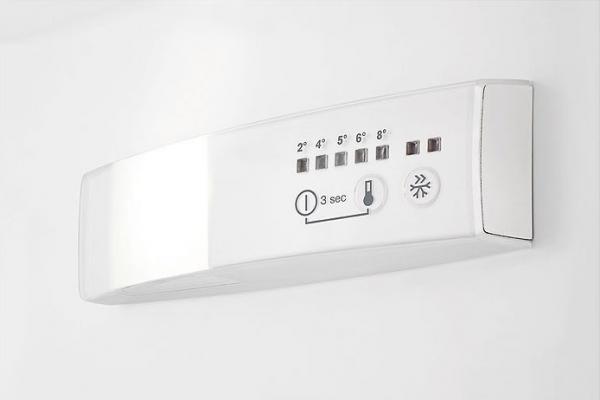 AEG SCB6181VLS Integrated 50/50 Fridge Freezer