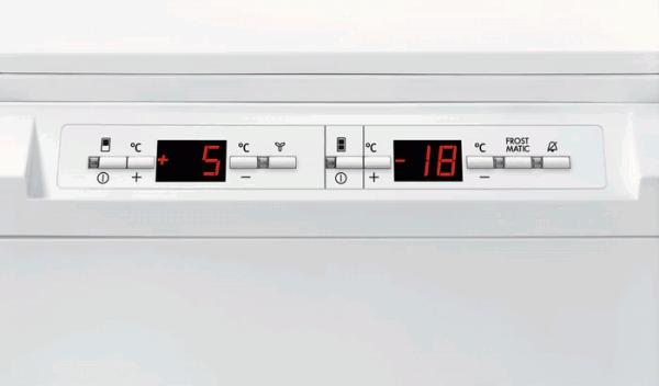AEG SCS8191LTS Integrated 70/30 Extra Height Fridge Freezer