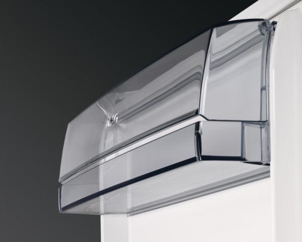 AEG SFB5821VAF Built-Under Fridge with Ice Box
