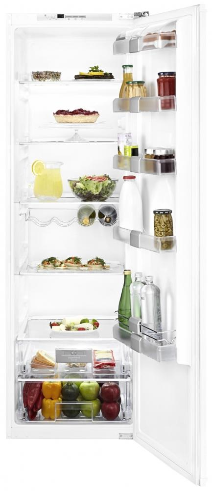 Blomberg SSM1351i Integrated Tall Larder Fridge (EX DISPLAY)